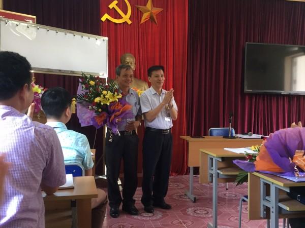Trung tâm Y tế Bắc Quang tổ chức giao ban y tế tháng 7 và Công bố Quết định cán bộ nghỉ hưu