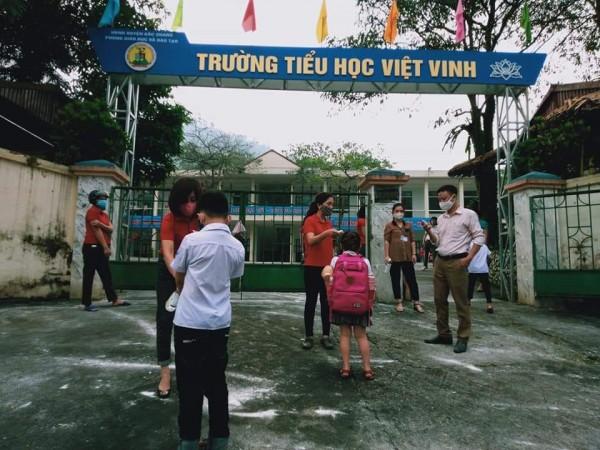 Trung Tâm y tế Bắc Quang kiểm tra, giám sát công tác phòng chống dịch covid-19 tại các trường học trên địa bàn huyện