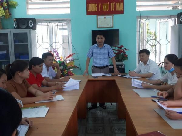 Trung tâm Y tế huyện Bắc Quang  tập huấn triển khai lập hồ sơ quản lý sức khỏe theo mô hình bác sĩ gia đình tại xã Đông Thành