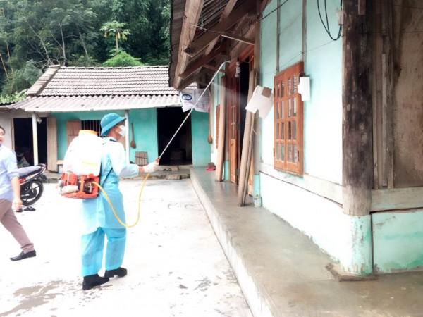 Trung tâm Y tế huyện Bắc Quang tổ chức Truyền thông, phun khử trùng phòng chống dịch bệnh Sốt xuất huyết tại các xã Đồng Yên, Vĩnh Phúc, Quang Minh